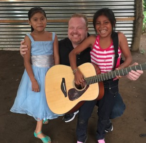jason & 2 girls 2015-08-23 17.40.11